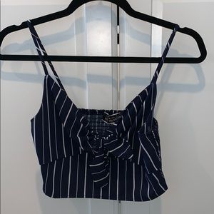 Striped crop top with tie in the middle